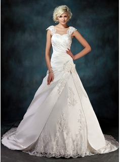 Ball-Gown Sweetheart Chapel Train Satin Wedding Dress With Ruffle Beading Appliques Lace Flower(s)