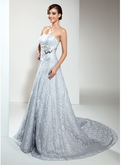 Corte A/Princesa Estrapless Cola capilla Encaje Vestido de novia con Bordado