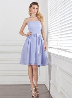 A-Line/Princess Sweetheart Knee-Length Chiffon Bridesmaid Dress With Ruffle Sash