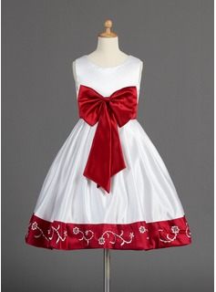 A-Line/Princess Knee-length Flower Girl Dress - Satin Sleeveless Scoop Neck With Embroidered/Sash/Beading/Bow(s)