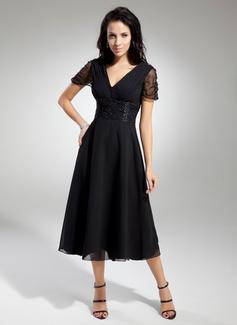 A-Line/Princess V-neck Tea-Length Chiffon Mother of the Bride Dress With Ruffle Beading