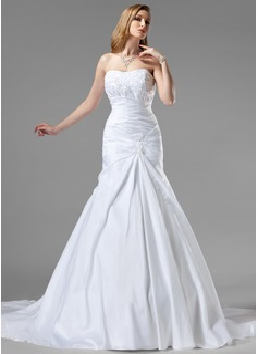 Trumpet/Mermaid Sweetheart Chapel Train Taffeta Wedding Dress With Ruffle Lace Beading