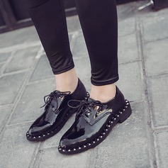 De mujer Piel brillante Tacón plano Planos con Rivet Cordones zapatos